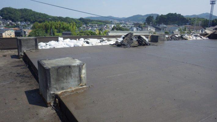屋上防水施工途中